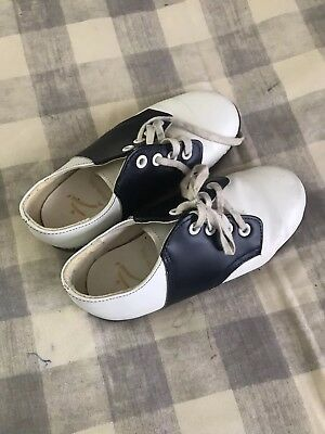 Childrens Saddle Shoes Stride Rite Size 10 1/2