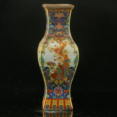 Chinese Enamel Porcelain Hand Painted Vase Made During The Kangxi Period RF008+e