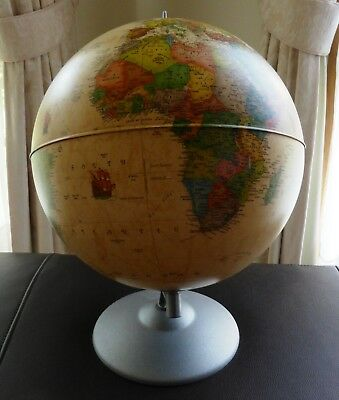 Vintage World Globe In Excellent Condition