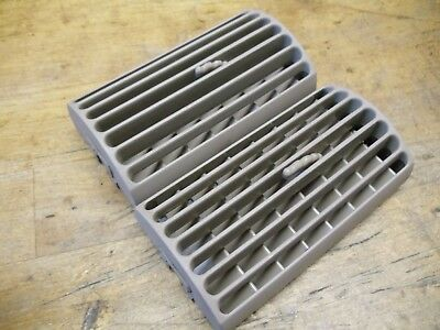 94 - 04 FORD MUSTANG OEM Side Dash Vent A/C Heater Air Outlet SET Parchment