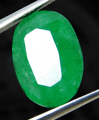 Natural 9.80 Cts. Beautiful Oval Cut Colombian Loose Emerald Gemstone. GS579