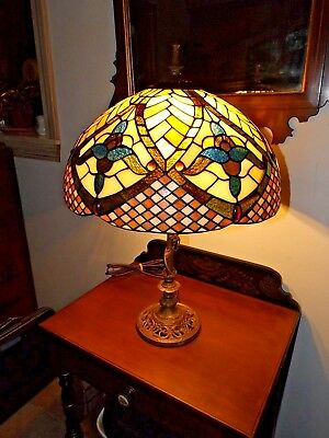 Antique 1900s Art Nouveau Benjamin Metalware Table Lamp w/Irid. Stained Glass
