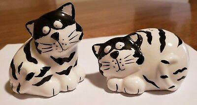 Vintage Ceramic Black And White Striped Cats Salt And Pepper Shakers