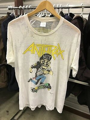 LARGE -- Vtg 1987 Anthrax Mosh It Up Paper Thin Distressed Concert T-Shirt USA