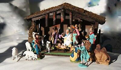 Vintage Nativity Set- 18 pieces plus stable - Italy