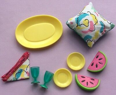 SINDY 'SETTEE' ACCESSORIES 1990s HASBRO