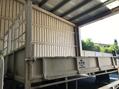 Tipper Body With Underbody Single Hoist With Subframe