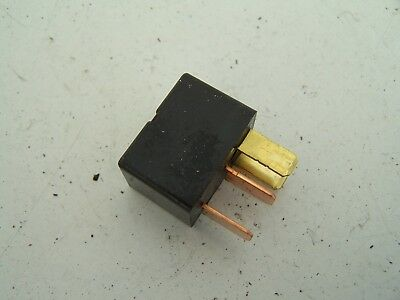 Mitsubishi Grandis Relay MR588567  (2004-2010)