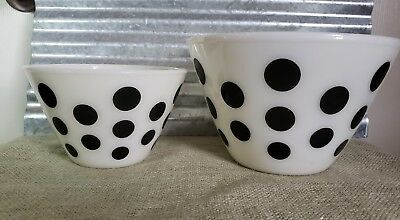 Set Of 2 Vintage Fire King White And Black Polka Dot Mixing Bowls