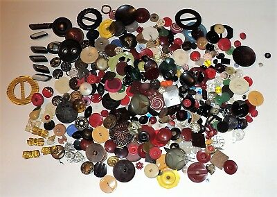 Lot of Vintage Buttons Flowers - Fruit Plastic Bakelite Glass Wood Art Deco 2 LB