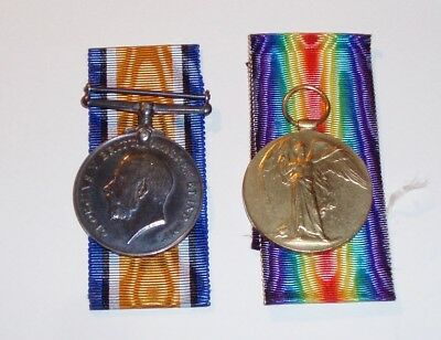 WW1 Boxed Medal Pair to the 1/8th Btn Royal Scots. (lot 4)