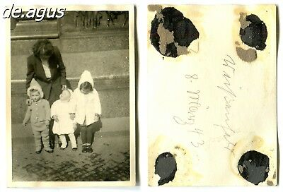 Vintage Photo from 1943 Weißenstadt,  young woman with three little children