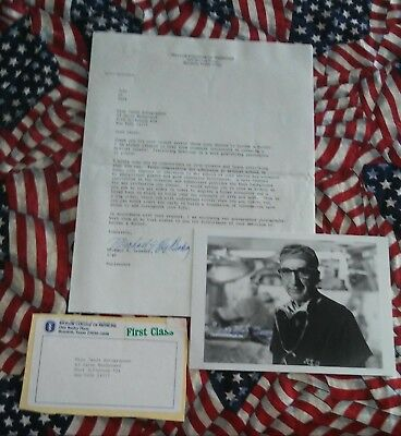 DR. MICHAEL De BAKEY HAND SIGNED LETTER AND PHOTOGRAPH.  GREAT CONTENTS.