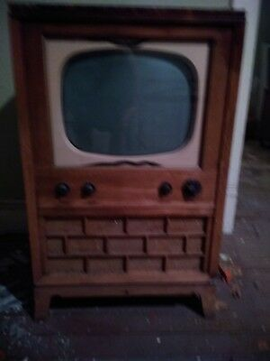 """Vintage Television in Cabinet c.1950s TV  23""""W x 19""""D x 38""""H  Pick Up Ohio 45331"""