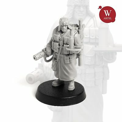 """28mm wargaming and collectible miniature, Officer Aide by """"W"""" Artel"""