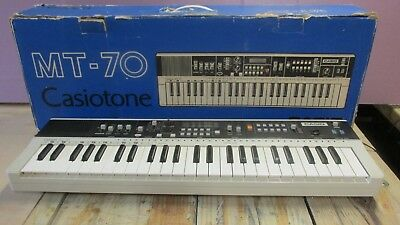CASIO Casiotone MT-70 Electronic Keyboard SYNTHESIZER IOB w/ power adapter WORKS