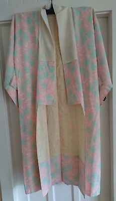 Lovely Pale Pink And Green Pattern Vintage Japanese Long Kimono