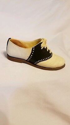 Just the Right Shoe by Raine, Bobby Soxer