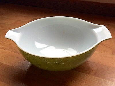 Pyrex Verde Avocado Green Cinderella Nesting Mixing Bowl #444 4 QT Handle Lip