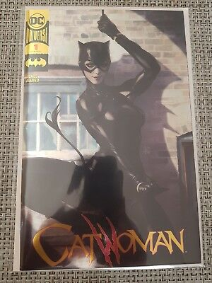 Catwoman #1 Gold Foil Variant Fan Expo Canada 2018 Artgerm