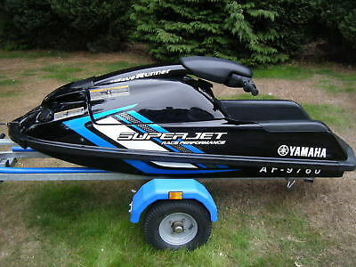 Jetski Yamaha 700 2015/16 Waverunner  Superjet Stand Up Jet Ski And Trailer