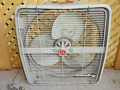 Vintage MCM General Electric GE Automatic Reversible Thermostat Metal Box Fan