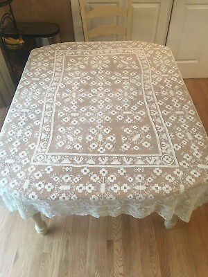 ANTIQUE White/Cream STUNNING LACE Crochet TABLECLOTH Spread Vintage 67 x 50