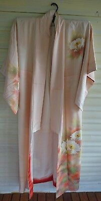 Fab Pale Pink With Bold Floral Pattern Silk Vintage Japanese Full Length Kimono