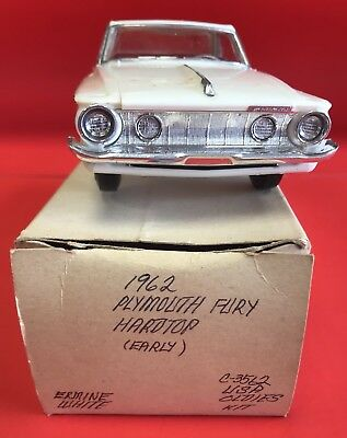 1962 Plymouth Fury Hardtop (Early) Usa Oldies Kit Jo-Han Ermine White/red Int.