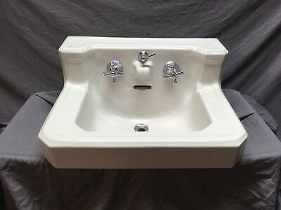 Vtg Mid Century Ceramic White Porcelain Art Deco Bath Wall Mount Sink 482-18E