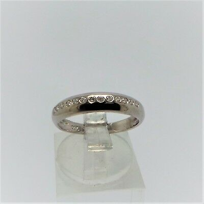 18ct WHITE GOLD DIAMOND WEDDING BAND RING VALUED @$1187 COMES WITH VALUATION