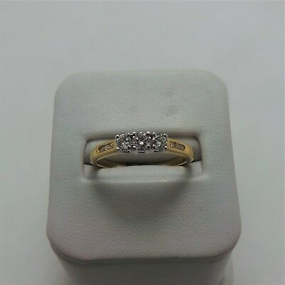 18Ct Yellow Gold Diamond Ring Valued @$1572 Comes With Valuation