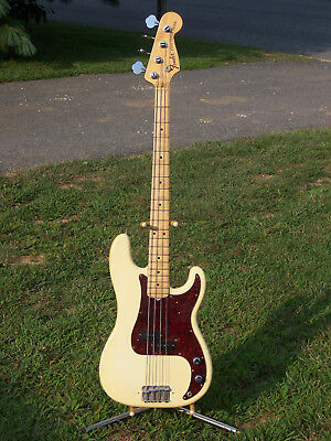 1973 Fender Precision Bass Olympic White