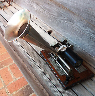 Antique American Columbia Graphophone Type B with cylinder and box