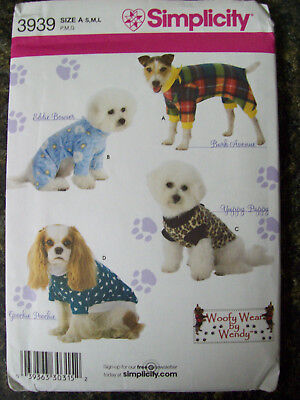 Simplicity Dog Clothes In Three Sizes Uncut Pattern 3939 749