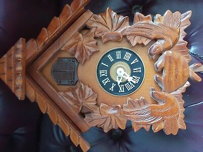 1 Old Cuckoo Clock works but needs service