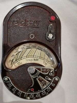 Vintage Tempiphot Bakelite Light Meter In Leather Case.