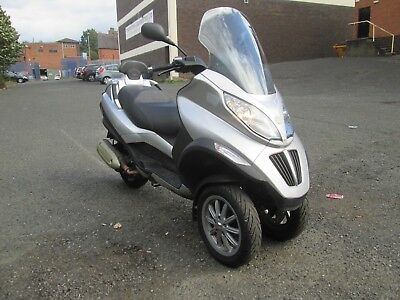 2010 Piaggio Mp3 250 3 Wheeler Scooter Moped Drive On Car Licence Free Tax