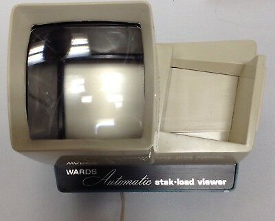 Vintage Montgomery Ward Automatic Stak-Load 2X2 Slide Viewer