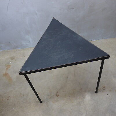 Mid Century Modern Black Iron TRIANGLE End Lamp Table Plant Stand 1950s