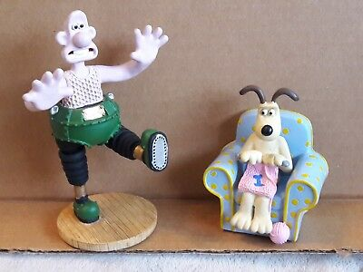 """Wallace & Gromit 1989 Wrong Trousers Set of 2 Resin Figure / Figurines 5"""" & 3"""""""