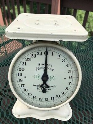 Vintage American Family Scale Creme Color  25 Pounds