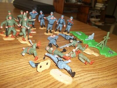 "20 1970's Vintage Timpo ""Swap-it"" WW2 German and US soldiers"