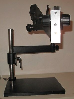 Articulating Arm with Solid Base Plate for Stereo Microscopes