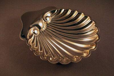 BEAUTIFUL STERLING SILVER SHELL SHAPED BUTTER DISH c1931