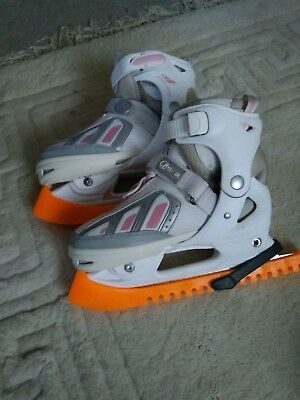 Ice skates adjustable 4-7 with guards