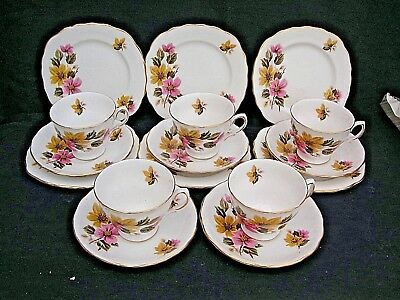 Royal Vale English Bone China Vintage 16 Piece  Part Tea Set 8218