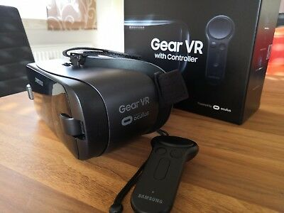 SAMSUNG Gear VR mit Controller SM-R324 Virtual Reality Brille