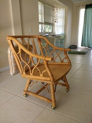 Mid Century Modern Fickes Reed rattan chair. Structure in excellent condition.