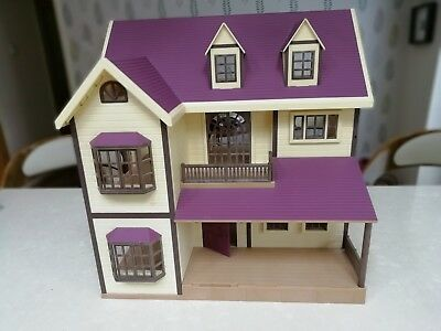 Sylvanian families house with accessories